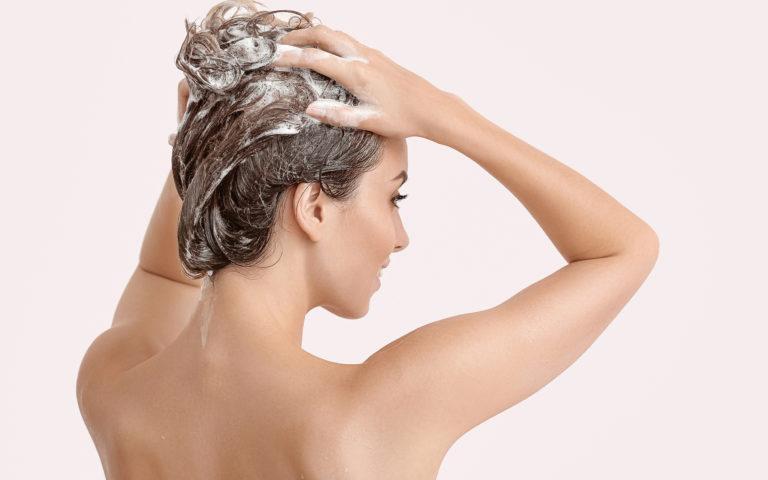 Metody mycia włosów. Czy znasz je wszystkie?