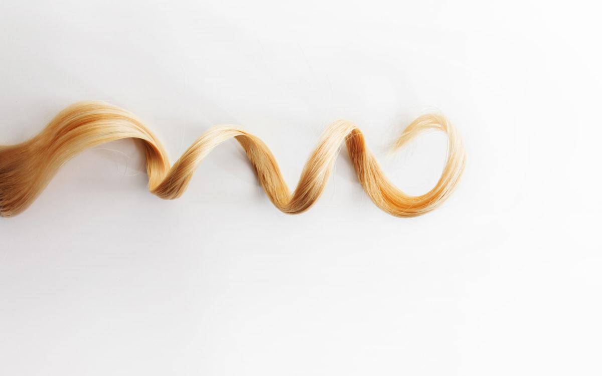 Zadbaj o perfekcyjny lok – pielęgnacja włosów kręconych