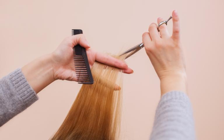 Nie dziel włosa na czworo, dbaj o końcówki!