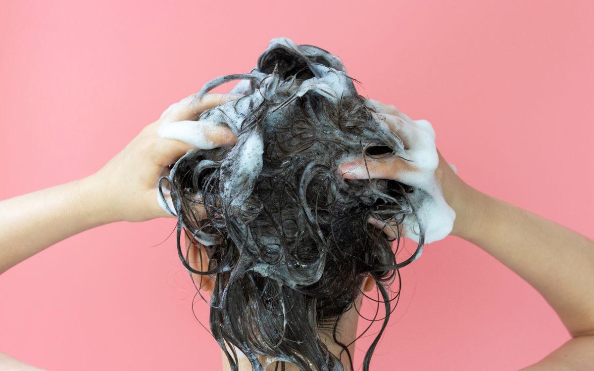 Jak prawidłowo myć włosy?