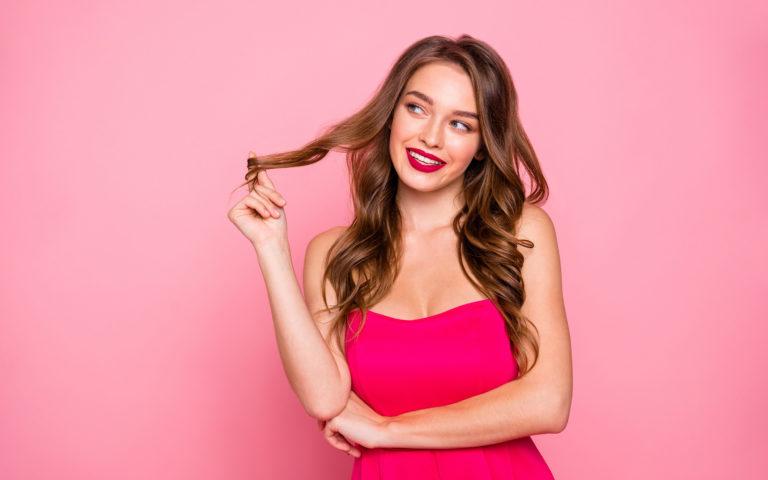Trendy w pielęgnacji włosów 2021